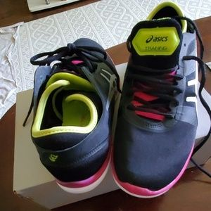 Asics Shoes - Asics gel fit Nova